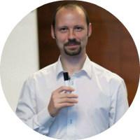 Adrian Ficker consultant SEO